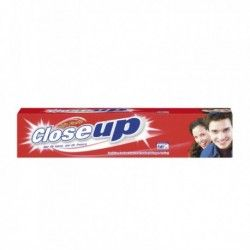 Closeup pasta dientes gel...